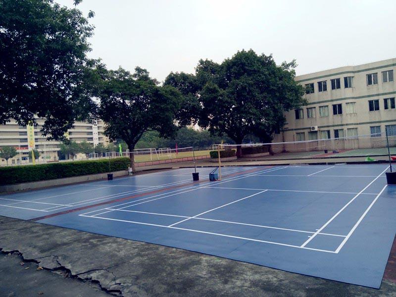 中堂中学室外羽毛球场.jpg